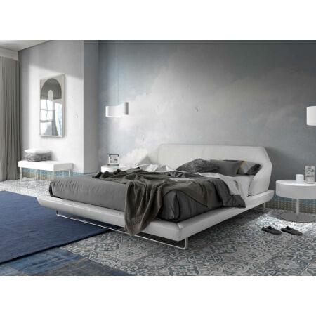 Eliana fehér műbőr - acél pad - 120 cm