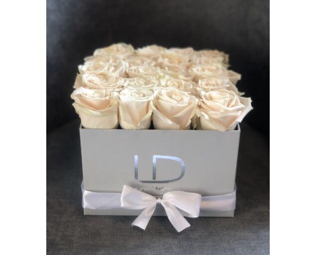 """""""Chloé"""" rózsadoboz - 20 szál Barackvirág színű rózsa"""