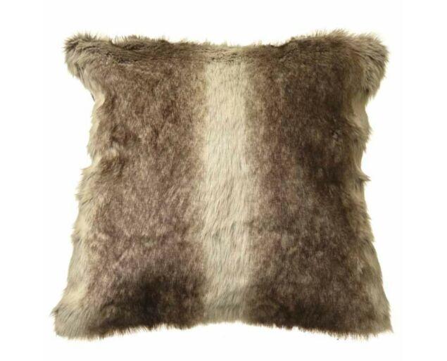 Pihe-puha műszőrme párna-  Világos barna